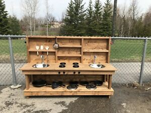Mud Kitchen or Mud Table