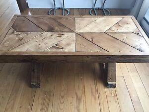 table de salon fait à la main