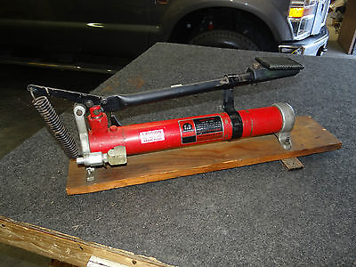 Tb Greenlee Hydraulic Hand Foot Pump 13586 9800 Psi