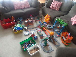 REDUCED PRICE: Thomas and Friends lot