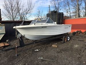 16ft Traveler Boat with Envinrude Motor & Trailer