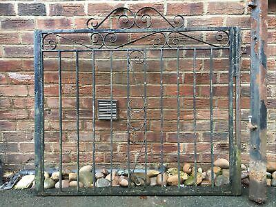 Heavy Metal Pedestrian Decorative Railing Garden Pedestrian Gate And Post