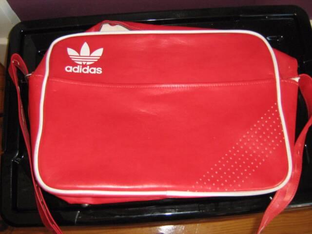 0c52495641d Red Adidas Retro Messenger Bag.   Bags   Gumtree Australia West Torrens Area  - Hilton   1148574060