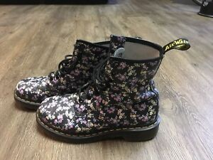Doc Marten 8 eye size UK4