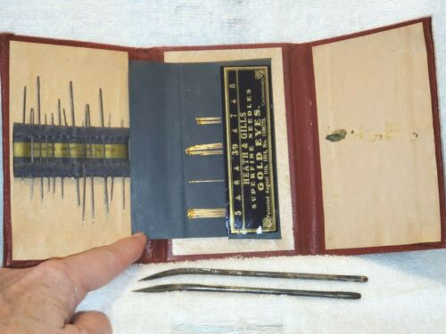 Vintage 1914 HEATH & GILLS Czechoslovakia Tri Fold Needle Case Plus Needles