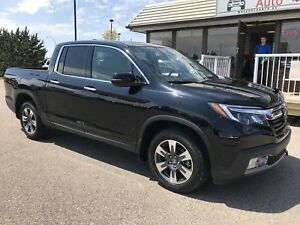 2017 Honda Ridgeline Touring HEATED AND COOLED SEATS - HEATED...