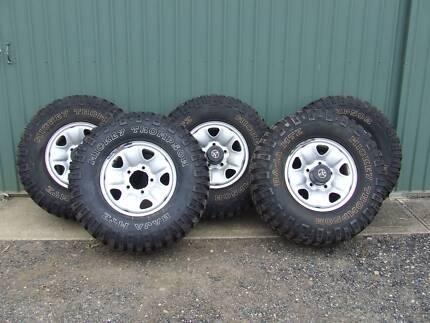 Micky Thompson BAJA MTZ tyres and Landcruiser steel rims