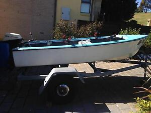 11ft Fibreglass Boat Dinghy 6hp w/ Trailer Wallan Mitchell Area Preview