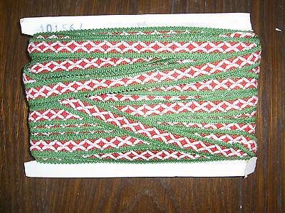 (0,60€/m) grün weiße rote Borte, Höhe ca. 2cm 25m auf einer Pappe OPEW