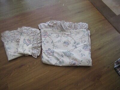 HORROCKSES DOUBLE FRILLED EDGE FLORAL DUVET WITH 2 P/CASES