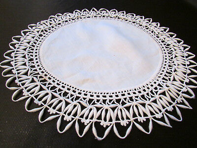 Vintage / Antique Handmade Off White Linen Doily with Crocheted Lace Edge 11