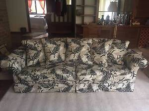 3.5 Seater Moran Sofa (recently re-upholstered) Brighton Bayside Area Preview