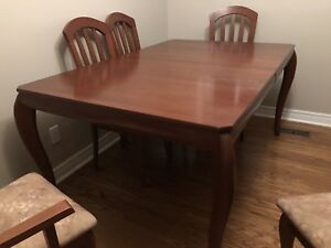Bermex 5' dinning table with 6 chairs