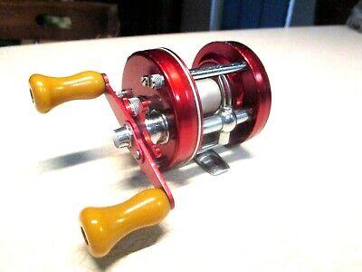 ABU GARCIA AMBASSADEUR FISHING REEL - RED 5000 - CLEAN & REELS WORK GREAT