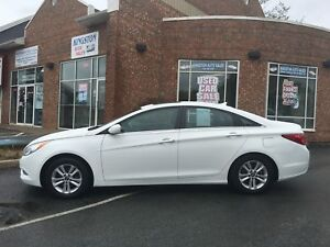 2013 Hyundai Sonata GLS w/ Sunroof, Heated Seats, Pwr. Seat
