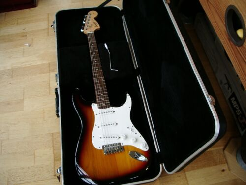 Fender Squier Affinity Strat + Hard Case, Very Good Condition.