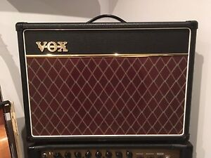 VOX ac-15 with foot switch and cover