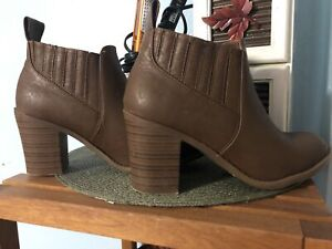 Good condition high boots