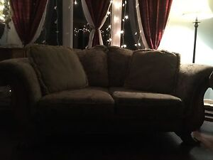 Sofa and Love seat with four cushions  West Island Greater Montréal image 3