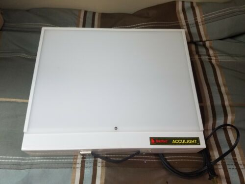 Bretford Acculight 6009 / 6218 still picture projector film light table