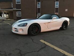 2005 Dodge Viper supercharged