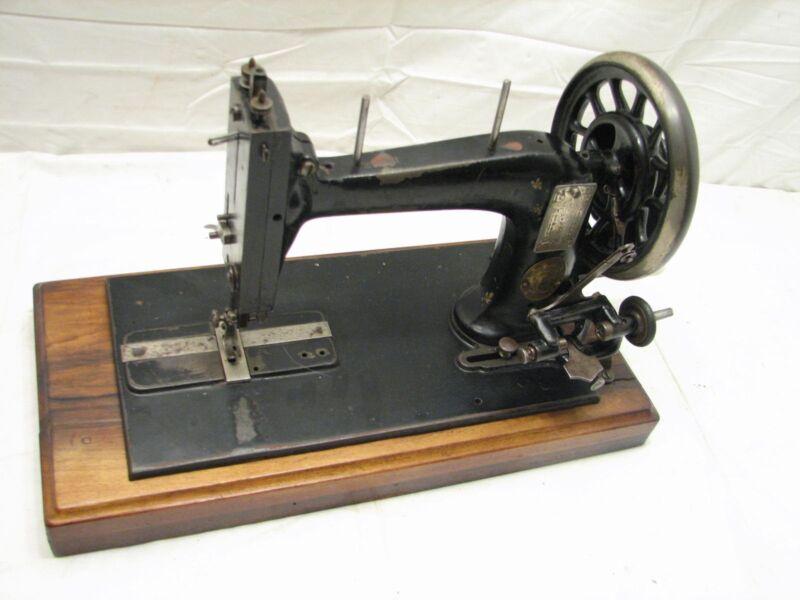 Rare Antique New Shuttle Sewing Machine Hand Crank Victorian