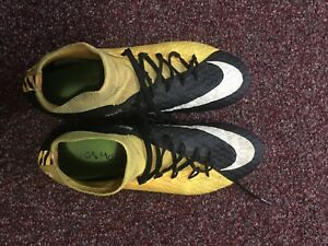 Nike soccer cleats for sale size 9 us