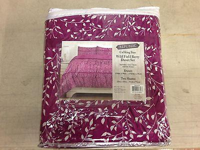 Modern Berries Bedding - Republic Cal King Wild Field Berry Duvet Set, YK645696, New