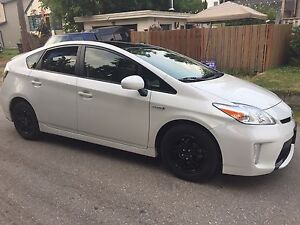 2014 Toyota Prius grey/black interior Hatchback