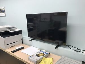 "SEIKI 40"" Smart TV $260 FIRM"