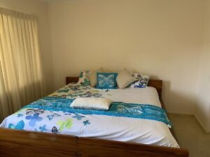 Furnished air con en-suite room to rent