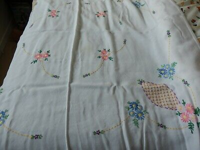 Beautiful Vintage embroidered Tablecloth 45