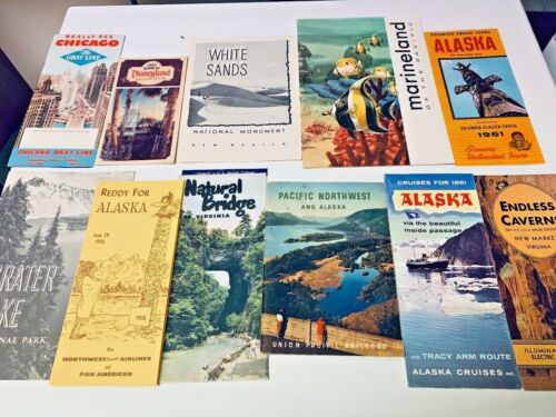 VINTAGE MIXED  LOT OF TRAVEL BOOKLETS    SET 4