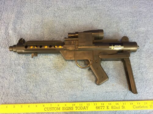 General Mills 1978 Star Wars Blaster  NO BATTERY COVER  PARTS REPAIRS NONWORKING