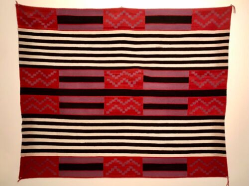 EXCEPTIONAL NAVAJO 2ND PHASE CHIEF'S BLANKET / RUG, 20TH C, EXCELLENT CONDITION