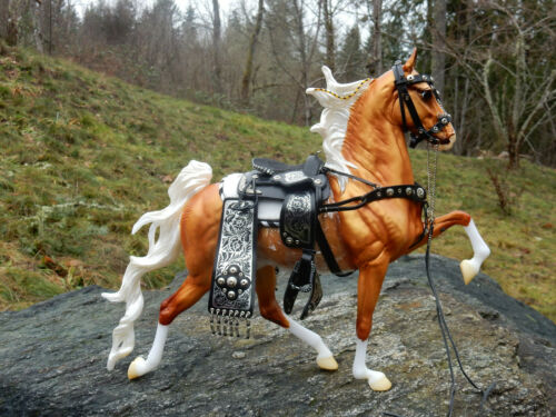 Palomino with vintage Breyer Parade Saddle - 2020- Racking Saddlebred 1825