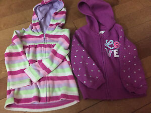 2T girls zip up sweaters