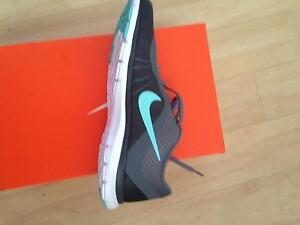 Women's Nike runners ( US 9) Redlynch Cairns City Preview