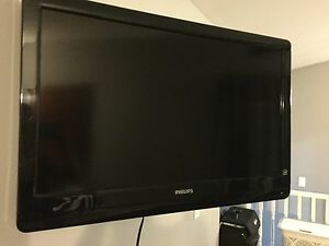 32inch Phillips flat screen tv
