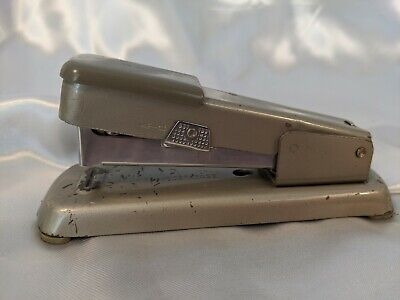 Vintage Bates 88 Stowaway Stapler W Built In Staple Remover Usa Silver Gray