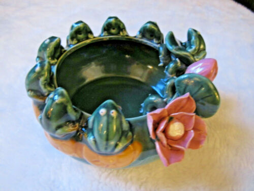 VINTAGE GLAZED FROG CERAMIC PLANTER 8 FROGS LILY PAD PINK ROSES MID CENTURY