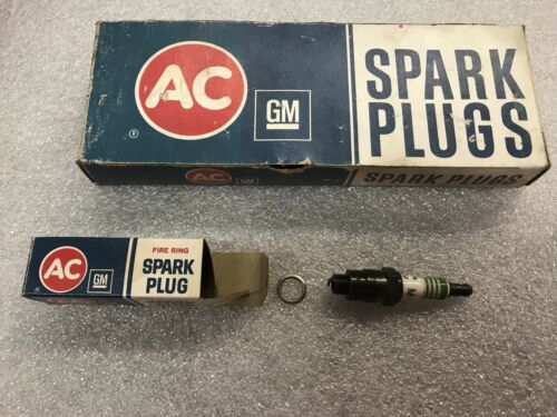 1938 To 1950 Packard Spark Plug AC Delco M8