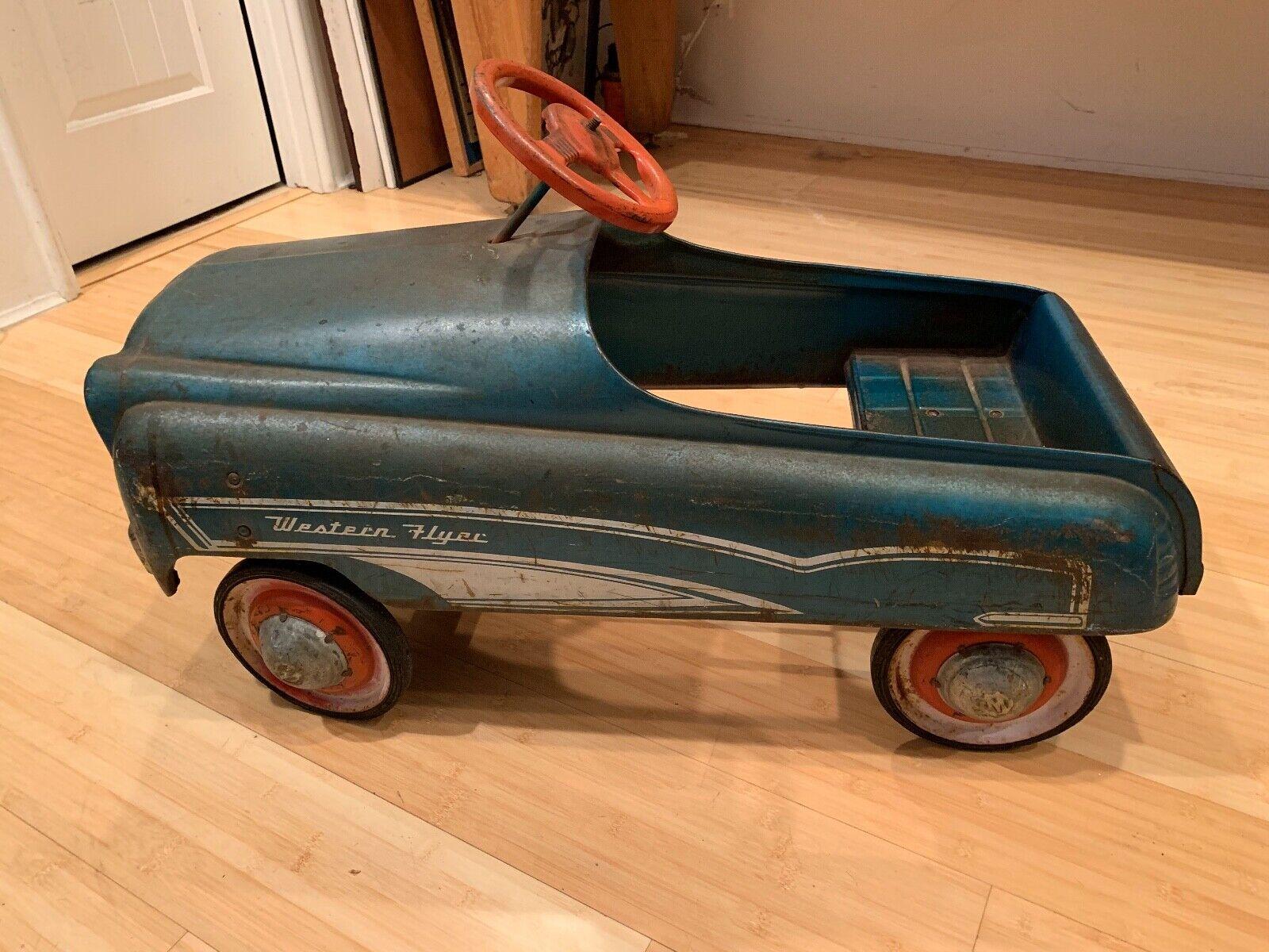 1940's Western Flyer Peddle Car (Used - 2200 USD)