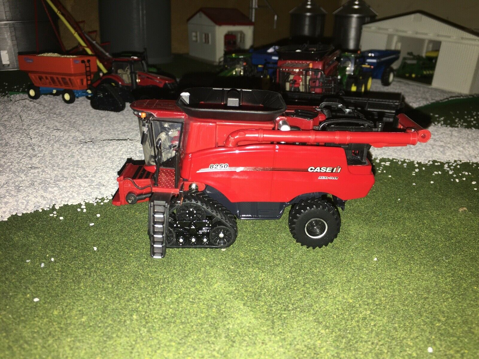 1/64 Ertl Case IH Limited Edition 2020 FarmShow 8250 Axial Flow Combine FS
