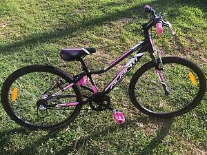 Avanti Girls Bike Near New Mannering Park Wyong Area Preview