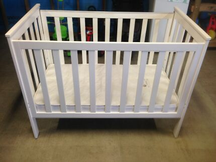 Baby cot and change table package
