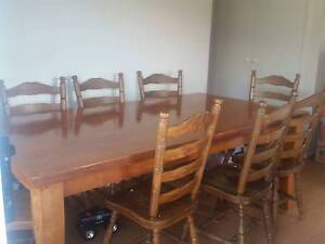 Dining room table Campbelltown Campbelltown Area Preview