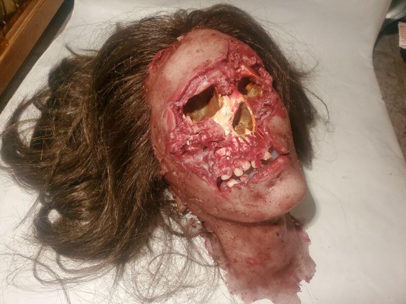 Silicone HORROR movie prop severed female head spfx film haunt dead screen used