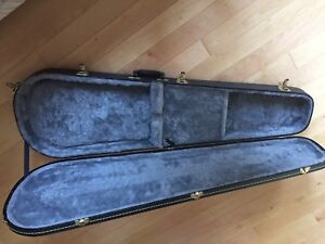 Long oval case for bass or long guitar