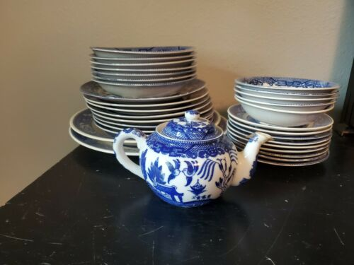 Vintage Set 32 pc Blue Willow Wares Dinner Plates Bowls Royal China Teapot